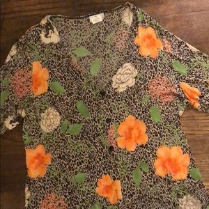 Travel collection leopard top 1X peach flowers
